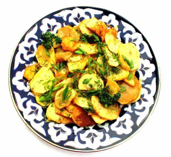 Картофель по-охотничьи со шкварками
