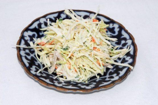 Салат из хрустящей капусты